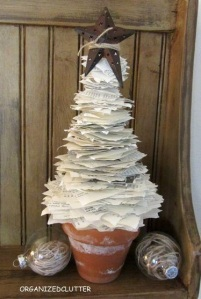 Christmas tree clutter